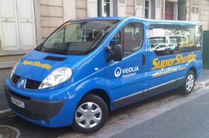 1024px-SuperShuttle_airport_transfer_Paris